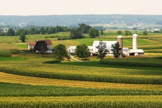 bigstock-Amish-Country-Farm-2676324